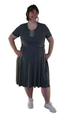 Anne of Grey Gables en by Viola kjole til hende med hofter og lår