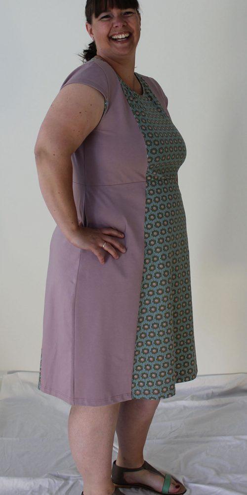 Airy Rose byViola kjolen til hende med kurver